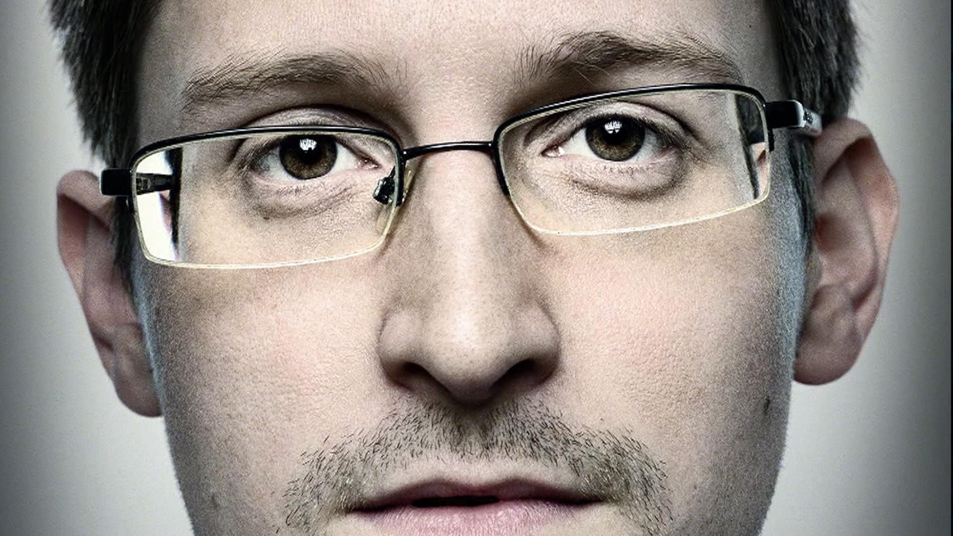 Edward Snowden - To no Cosmos