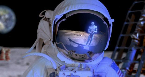 ALGUEM NA LUA - To no Cosmos
