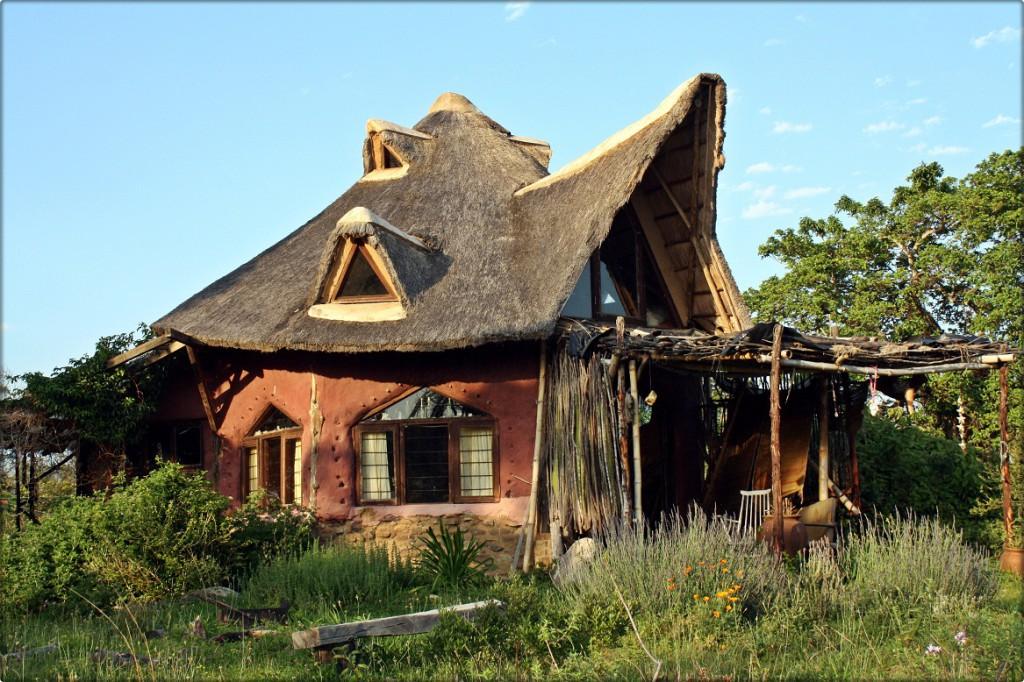 casa cob sustentavel - To no Cosmos