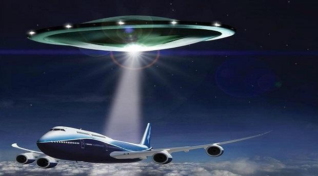 aviao - ovni - To no Cosmos